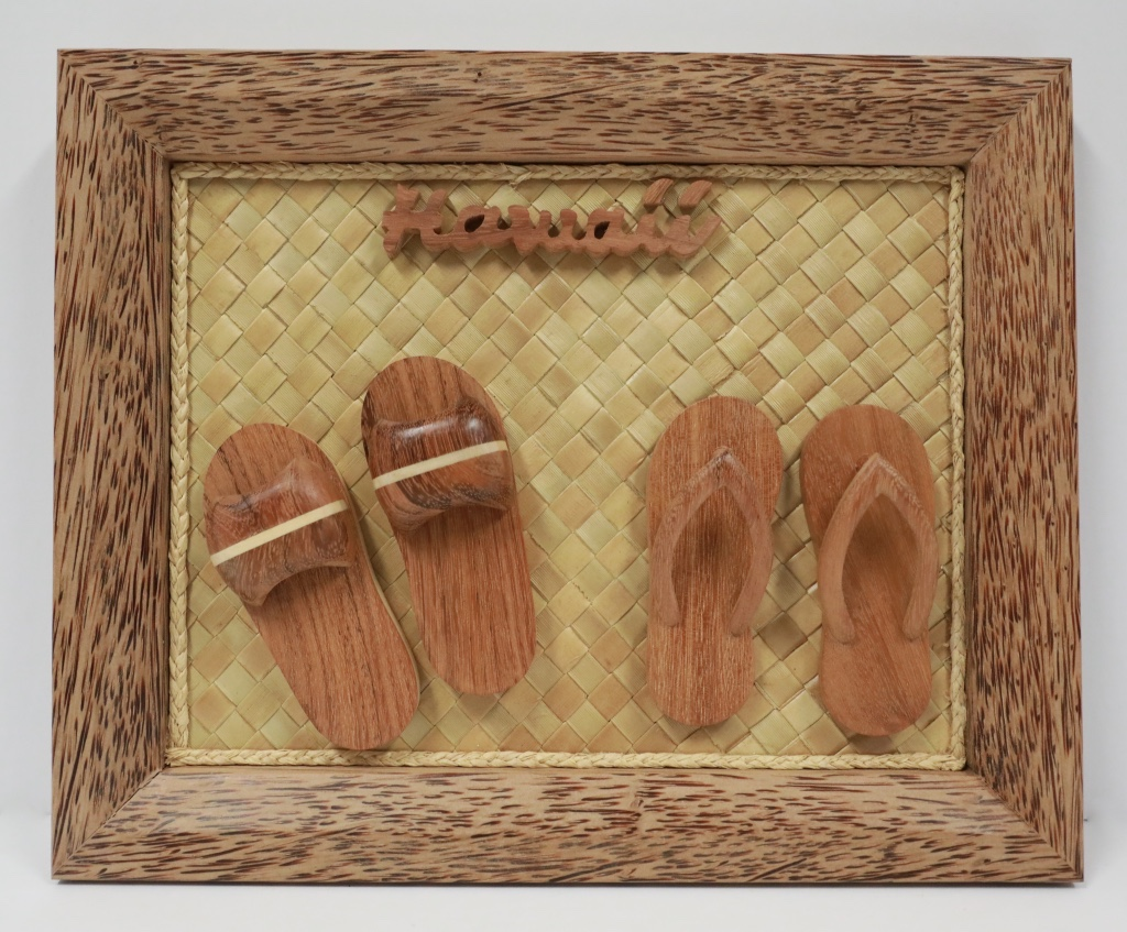 Wood Coco frame 2 sets slippers