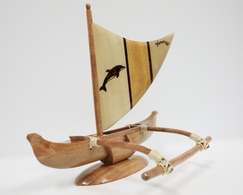Wood canoe small with sail